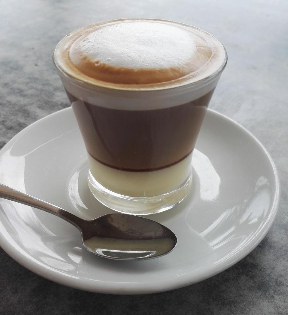 Canarian coffee cortado leche leche